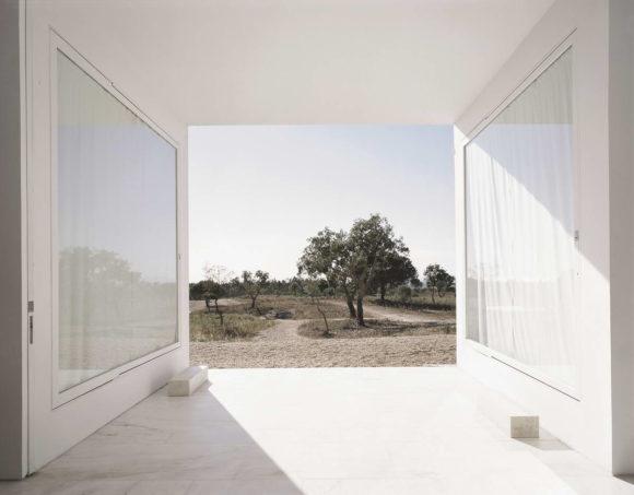 Минималистский дом в Португалии