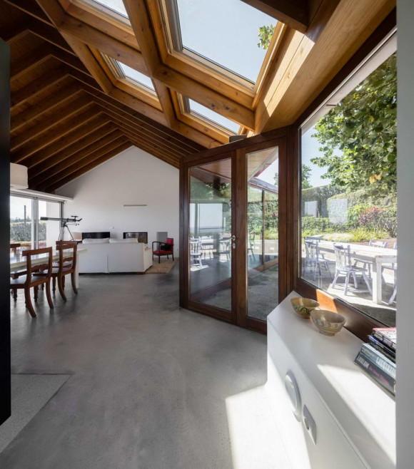Сельский дом у липы (Quinta da Tilia) в Португалии от Pedro Mauricio Borges.