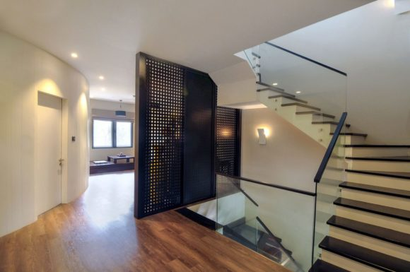 T House 8