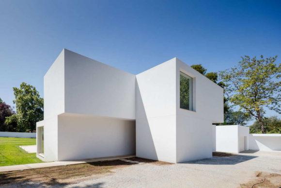 Белый дом в Португалии