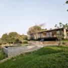 Прибрежный дом (Riparian House) в Индии от Architecture BRIO.