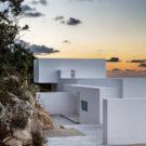 Серебряный дом (Silver House) в Греции от Dwek Architecture and Partners.
