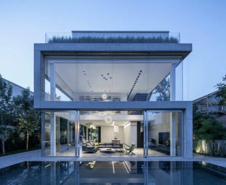 """""""Бетон с вырезами"""" (Um Corte Concreto) в Израиле от Pitsou Kedem Architects."""
