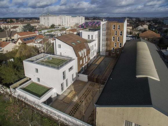 Социальные дома (16 Social Housing Units) во Франции от Atelier Gemaile Rechak.