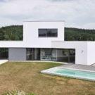 Семейный дом на краю города (Family House at the End of the Town) в Чехии от Atelier 111.