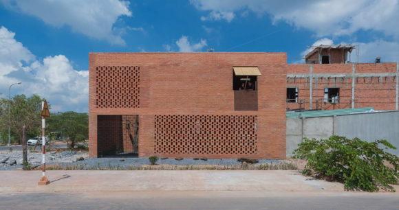 LT House 8
