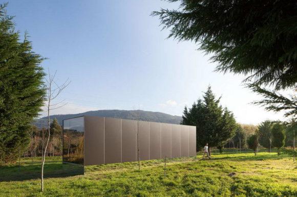 Минималистский модульный дом в Португалии