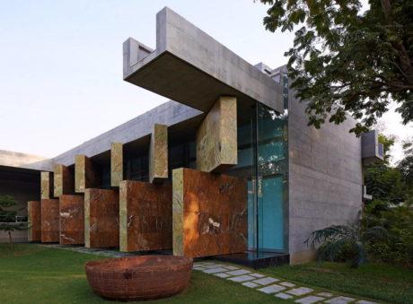 Скользящие Пейзажи (Moving Landscapes) в Индии от Matharoo Associates.