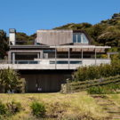 Дом Rawhiti Bach в Новой Зеландии от Studio Pacific Architecture.