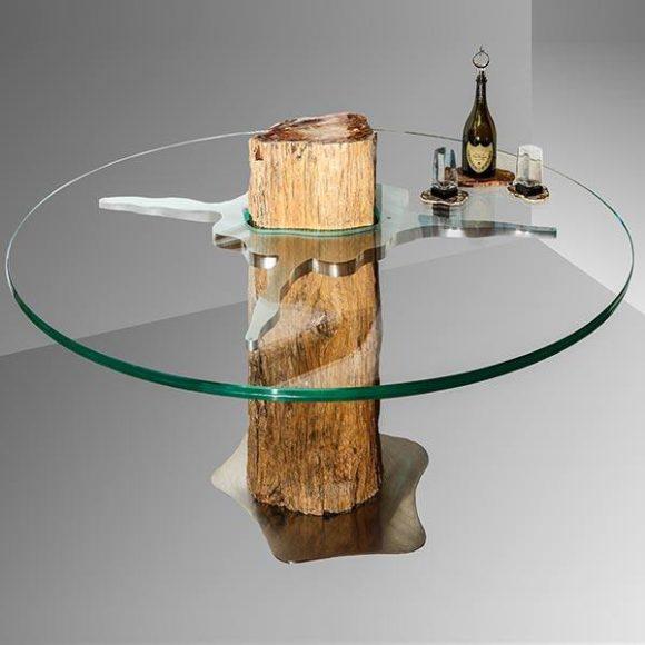 Мебель из окаменелого дерева