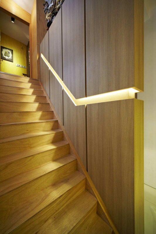 built-in-handrails-4