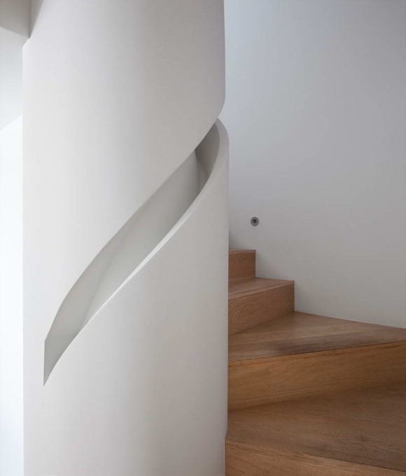 built-in-handrails-8