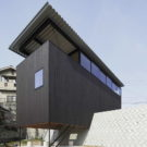 Дом в Мияке (House in Miyake) в Японии от Hidetaka Nakahara Architects и Yoshio Ohno Architects.
