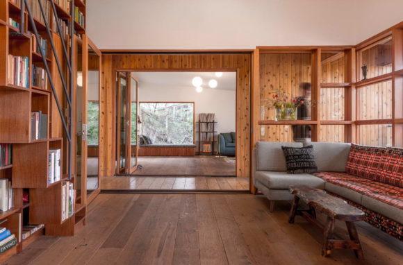 Дом в деревьях (House in Trees) в США от Anonymous Architects.
