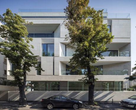Многоквартирный дом в Румынии