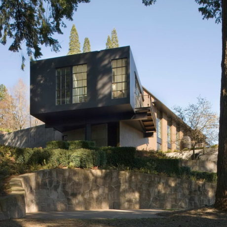 Дом на вершине холма (Portland Hilltop House) в США от Olson Kundig.
