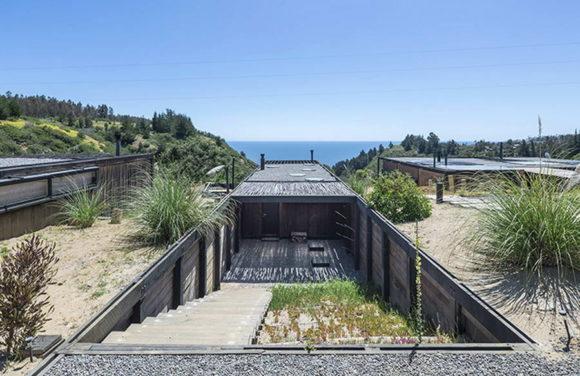 Дом на склоне с видом на океан в Чили