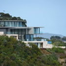 Дом на берегу (Hekerua Bay Residence) в Новой Зеландии от Archimedia.