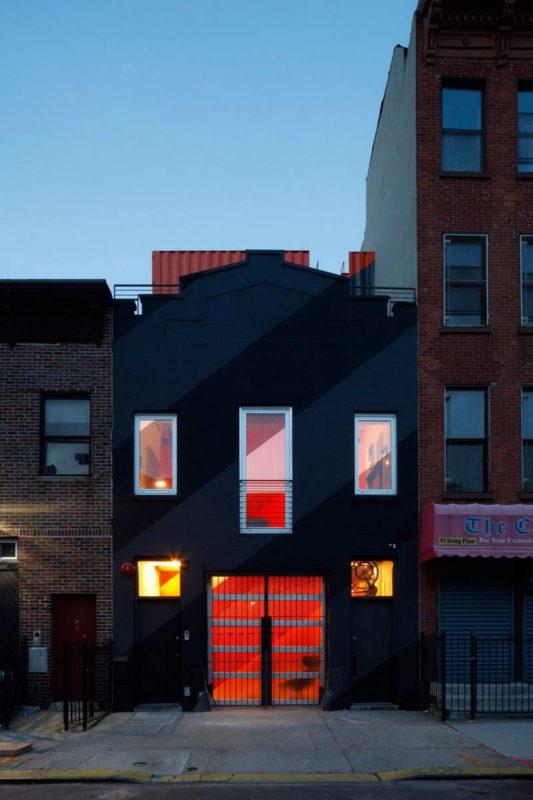 Домик на крыше в Нью-Йорке
