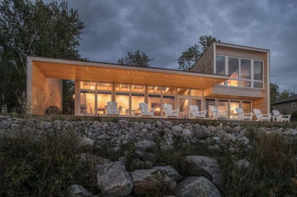 Деревянный дом в Канаде