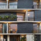 Многосемейный дом (Multi-Family Home in Vista Hermosa) в Мексике от Fernanda Canales.