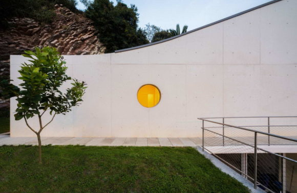 Дом-ракушка в Испании