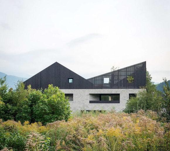 Двойной дом (Doppelhaus H) в Италии от Bergmeisterwolf.
