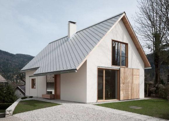 Дом в альпийской деревне (House in Alpine village) в Словении от Skupaj Arhitekti