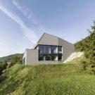 Дом для одной семьи (Single Family House) в Швейцарии от Dost.