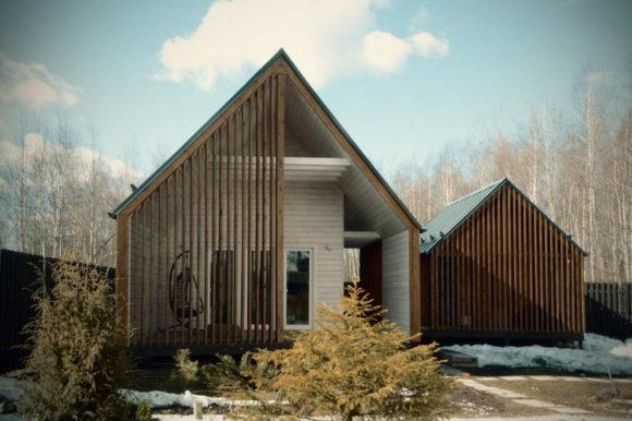 Зимний дом с баней и хозяйственной постройкой в России