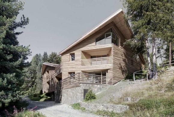 Деревянный дом на пять квартир в Италии