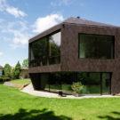Дом у леса (Forest House) в Швейцарии от Daluz Gonzalez Architekten.