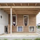Прямоугольный дом под плоской крышей (Roof and Rectangular House) в Японии от Jun Igarashi Architects.