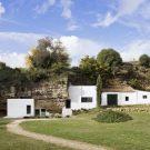 Дом в пещере (House Cave) в Испании от UMMO Estudio.