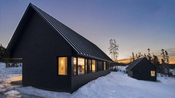 Чёрные дома в Канаде