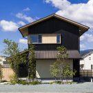 Дом, который сосуществует с ландшафтом (House that Coexists with the Landscape) в Японии от Takashi Okuno.