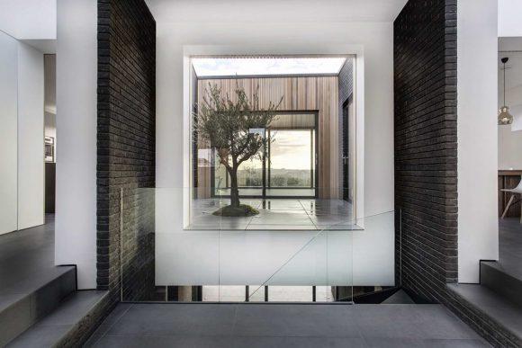 Дом с внутренним двориком в Англии