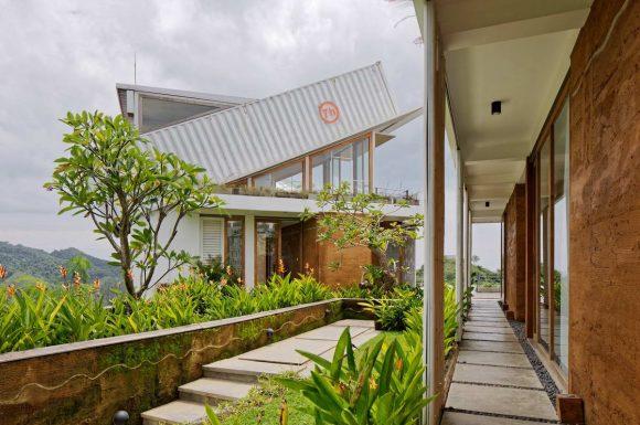 Дом на холме в Индонезии