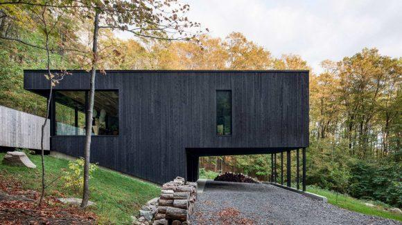 Чёрный дом в Канаде