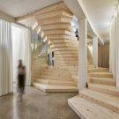 Спиральная деревянная лестница в Англии от ACME.
