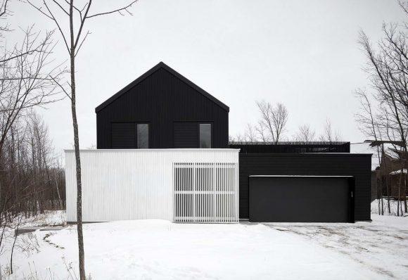 Чёрное шале в Канаде