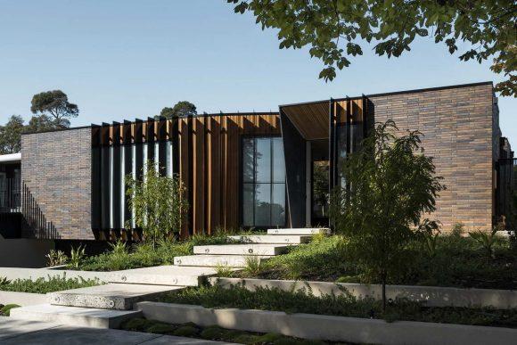 Дом в двором (Courtyard House) в Австралии от FIGR Architecture & Design.