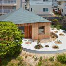 Дом в Мукаинада (House in Mukainada) в Японии от FujiwaraMuro Architects.