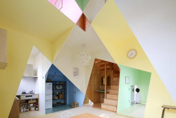 Цветной интерьер в Японии