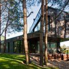 Дом в Вильнюсе (House in Vilnius) в Литве от 4PLIUS Architects.