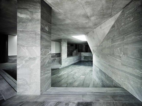 Очень бетонный дом в Швейцарии