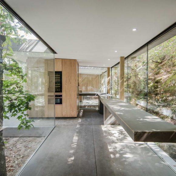 Стеклянный дом в Португалии