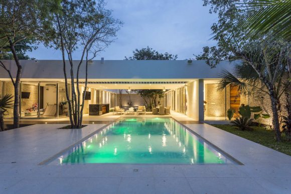 Дом между деревьями (House Between Trees) в Мексике от AS Arquitectura.