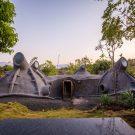 Проект «Примитивное будущее — дом GUMPHA» (Primitive Future — GUMPHA House) в Индии от Within N Without.