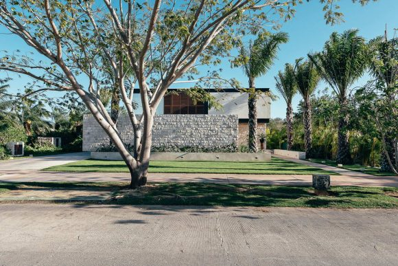 Дом-приют (Shelter House) в Мексике от Punto Arquitectonico.